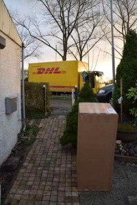DHL voor de deur